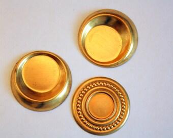 3 Brass Settings | Decorative Brass Settings | Vintage Brass | 3 cm Settings