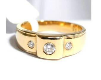DIAMOND RING, 14K Gold, 3 Brilliant Cut Beautiful F-G Colour Diamonds, VS, Size M, Size 6+ 4.60 Grams