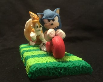 Sonic and Tails Light Speed sculpture