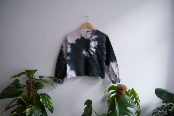 Crop Top Sweater Black Tie Dye Snake, Grunge, Indie, Hipster, Goth by Etsy