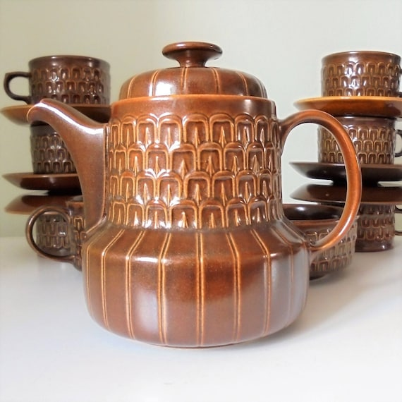 Vintage Amber Pennine Wedgwood Complete Tea Set Made in England Oven-to- Tableware 1965-1971 Textured/Mid century modern tea set & Vintage Amber Pennine Wedgwood Complete Tea Set Made in