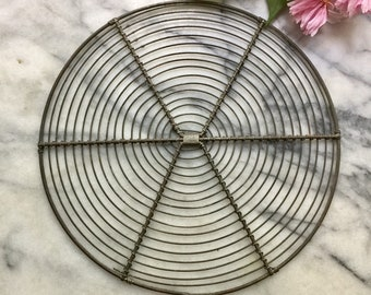 "8"" Cute Vintage wire Cooling Rack, Round Cake Rack, French Pastry Display, Antique Wirework, Round Wire Rack"