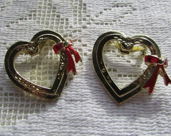 vintage joined open hearts shabby chic valentine pin brooch pins pair