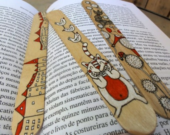 Wood Bookmarks with Unique Illustration [City, Cat and Birds, Girl and Ladybug] - Set of 3