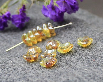 Glass Flower Beads, 25 pcs Flower Beads 10 mm, Czech Glass, Bell Flower Beads