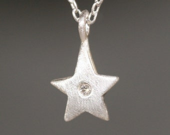 Star Necklace in Sterling Silver with Diamond