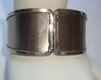 Lovely Silver Tone Spring Ring Closure Cuff Bracelet