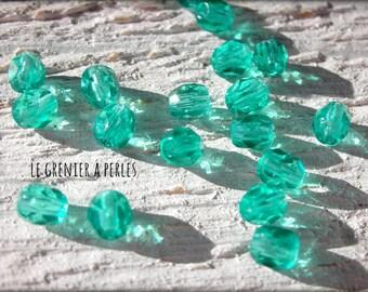 Faceted 4 mm Light Emerald Bohemian X 50 * Emerald *.