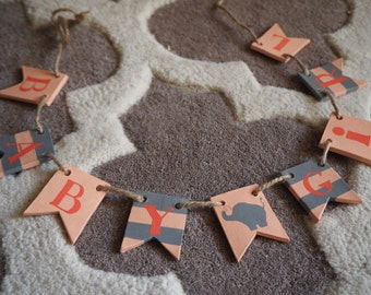 Custom name bunting - Clay baby girl bunting - Personalized baby gift - Baby girl shower decoration - Grey and pink girl nursery decor
