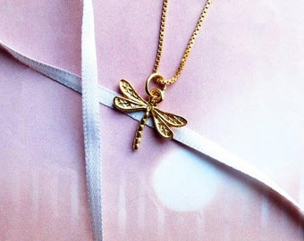 Dragonfly necklace,gold dragonfly, dragonfly pendant, gold necklace, gift for her, nature jewelry, insect jewelry, bridesmaid necklace, gift
