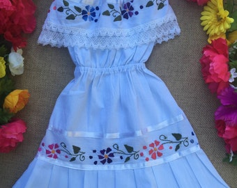 Mexican hand embroidered child dress size 4T - Mexican Birthday Party Dress- 5 de Mayo Mexican White dress - Off the shoulder Mexican Dress
