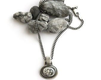 Unusual Snakeskin Stone Ancient Wrasse Fossil Bezel Set Necklace Sterling Silver 18 Inch Curb Chain