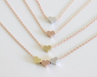 gift for mom, grandma gift, new mom gift, mother daughter necklace, three sister gift, gift for best friend ,dainty heart necklace, love