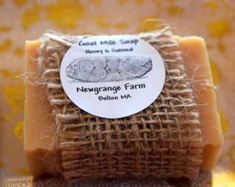 Goats Milk Soap - Honey & Oatmeal