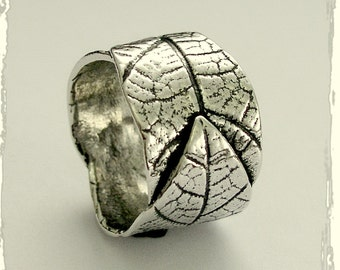Wedding band, Sterling silver band, alternative ring, woodland leaf ring, wide silver band, unisex band, botanical - falling leaves R1638