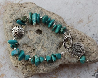 Natural Turquoise nugget charm bracelet. Turquoise bracelet. Southwest style. Western style. Sundance style. Native American style. Tribal.