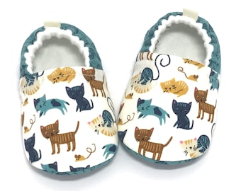 Cat Baby Shoes, Cat lover gift, Baby Shower gift, Soft Sole Baby Shoes, Aqua Baby Booties, Toddler slippers, baby moccasins, vegan baby