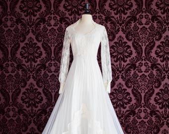 Vintage 1970s Wedding Gown/Long Sleeve Lace Wedding Dress/Size 8/Boho Wedding Dress