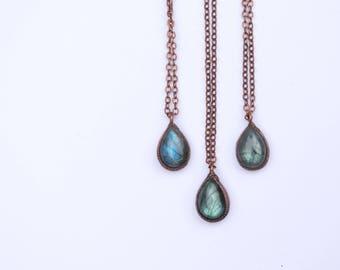Labradorite necklace | Blue Labradorite necklace | Raw mineral Jewelry | Organic stone jewelry | Labradorite cabochon necklace