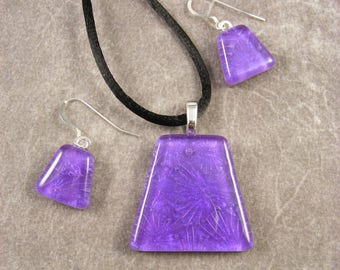 Dichroic Lilac Starburst Pendant and Earrings Set