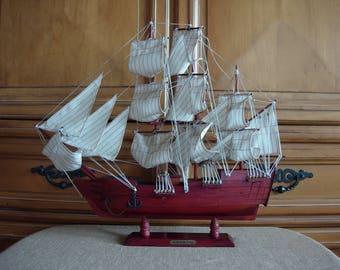 HMS BOUNTY Wooden Model Sailing Ship