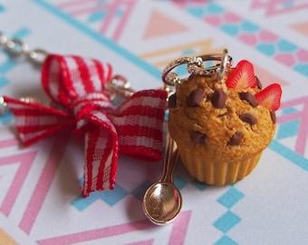 Focaccina collana fragola Muffin (cioccolato collana miniatura muffin cibo in miniatura mini cibo cibo collana regalo per lei)