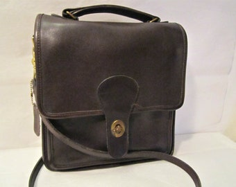Leather COACH purse Station style messenger bag  Vintage Coach purse Brown leather purse