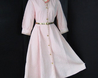Deadstock Vintage 50s Robe Quilted Pink Gold Belt & Trim Hostess Dressing Gown Dress Style Housecoat Fitted Bodice Full Skirt NOS Bust 34 36