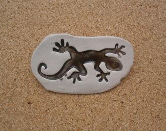 Grey gecko brooch - Ceramic badge with lizard -  salamander pin