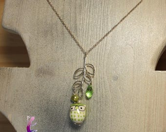 Green OWL pendant necklace with freshwater pearl and green Crystal