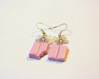 Delicious earrings, bubble gum pink