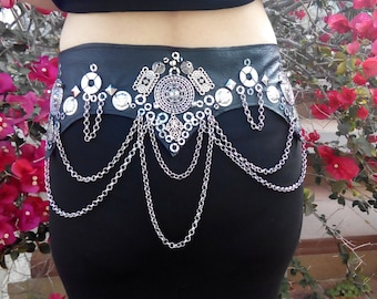 Tribal-gothic-medieval Metropolis belts leather and metal