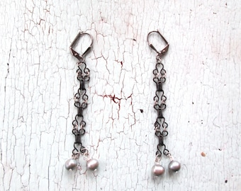 Delicate Earrings with Freshwater Pearls