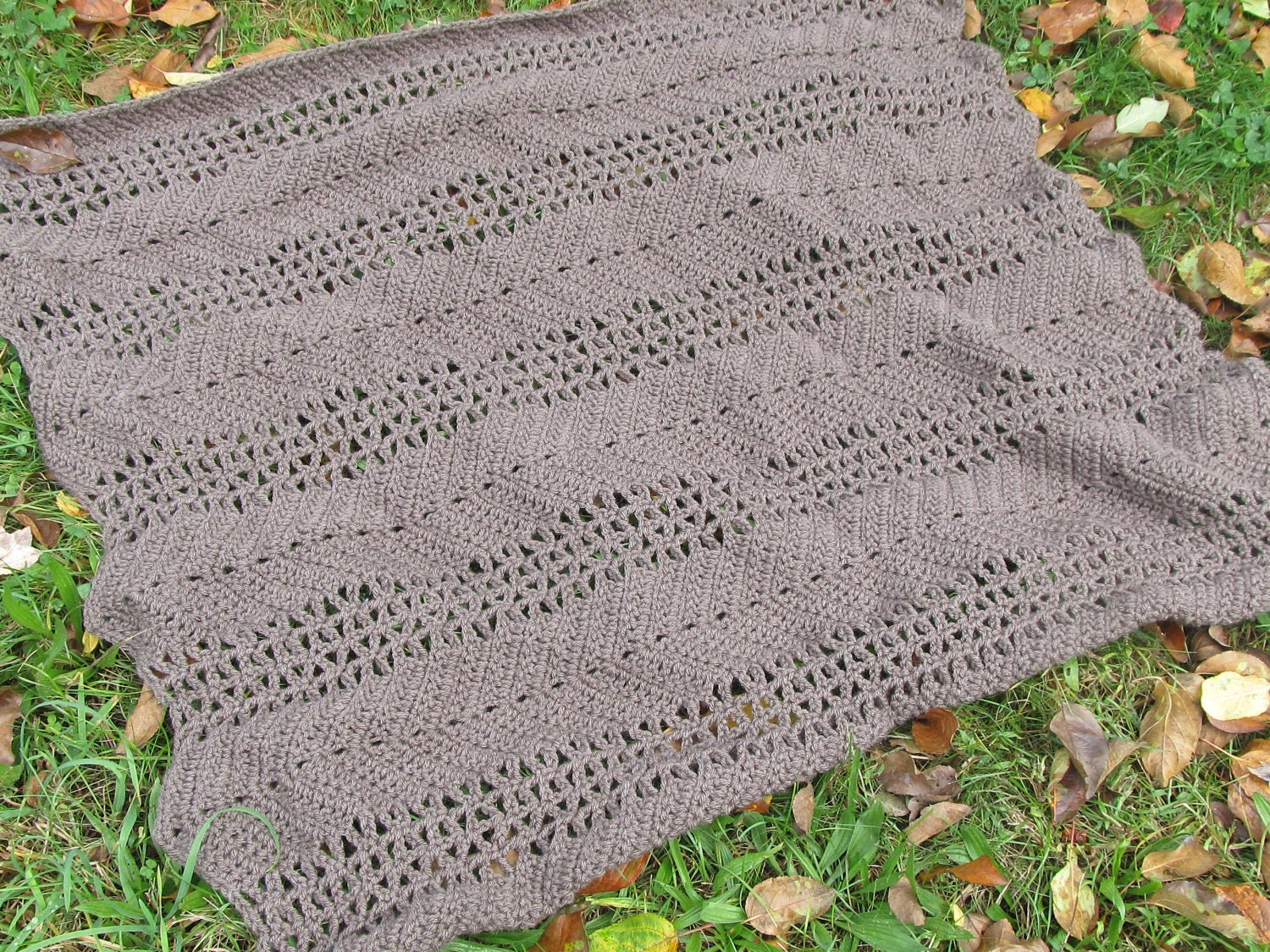 easy crochet lace ripple afghan pattern - Wells Ripple from ...