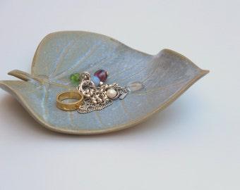 leaf shaped dish, ceramic ring dish,  ceramic jewelry dish, ceramic leaf, ceramic dish, wedding ring dish, wedding ring holder, jewelry tray