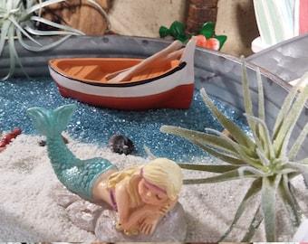 Fairy Garden Beach Row Boat, Beach Themed Resin Row Boat, Fairy Boat for Miniature Gardening, Seaside Cottage, Summer Fairy Garden