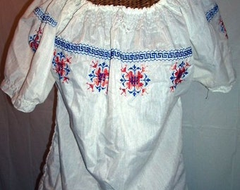 Pretty Vintage 70s Smocked & Embroidered Peasant Blouse, Cross Stitch, X-Stitch