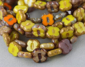 Random mix of Czech glass table cut clover beads in shades of harvest yellow, hay green - 12mm - 10 pcs - FB452