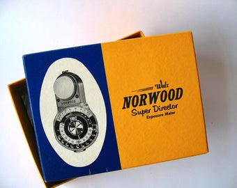 Vintage Norwood director exposure meter, case and box