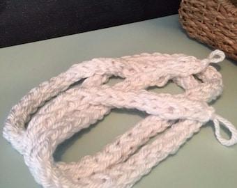 Knit Yarn Garland (White)