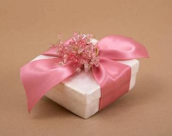 crystal flower wedding favor, Mother of pearl favor box, bomboniera, wedding favor gift, μπομπονιέρα γάμου, favor box