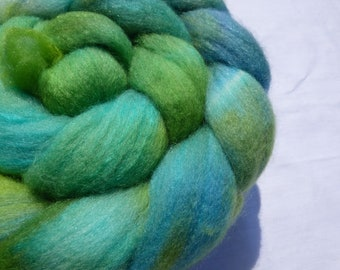 Green and Blue Polwarth and Mulberry Silk Blend - Hand Dyed Wool Roving (Top) - 100g