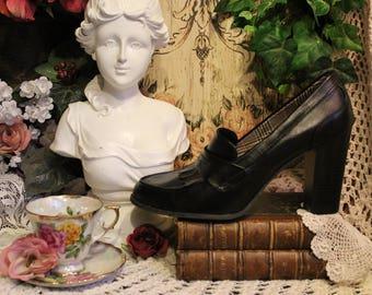 Ladies Casually Dressy Black Chunky Heels-Size 13