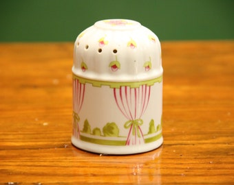 Vintage Shabby Chic Potpourri Holder (A cute dome shaped collectable ceramic decoration made in Japan.) 3.5 inches