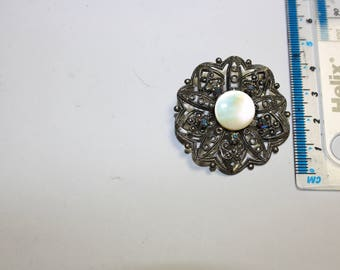 CZECH - vintage filigree brooch, MOP and AB rhinestones