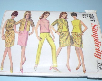 1967 Simplicity Wardrobe cut and complete size 16, Bust 36