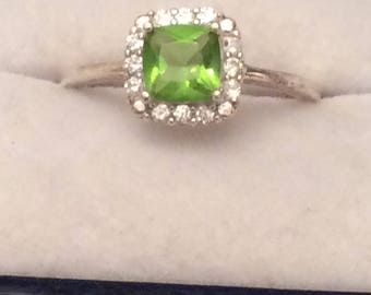 Authentic Vintage REAL NATURAL PERIDOT And Gemstones Sterling Silver 925 Ring, Engagement Ring, Friendship Ring, Promise Ring, Birthday.