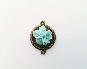 1 Mint Flower Connector, flower pendant, mint green flower, two ring connector, USA