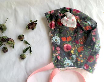 Reversible Baby Girl Bonnet: Flannel and Cotton, Soft and Adorable! Pink Florals