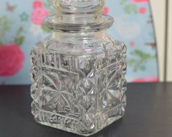 Pretty Small Vintage Crystal Pressed Glass Drinks Decanter  (E3)